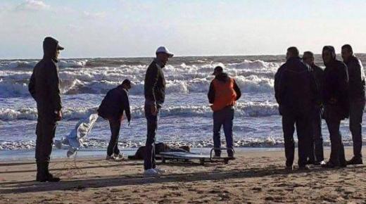 مياه الشاطئ تلفظ جثة شخص في أكادير
