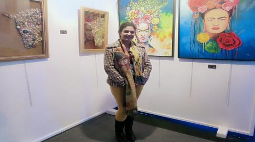 أكادير :الفنانة التشكيلية غيثه العلوي تعرض لوحاتها بالمعرض الدولي للفن المعاصر