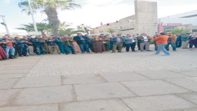 ببلدية أكادير : الموظفون يضربون عن العمل احتجاجا على الاعتداء الذي تعرض له أحد زملائهم