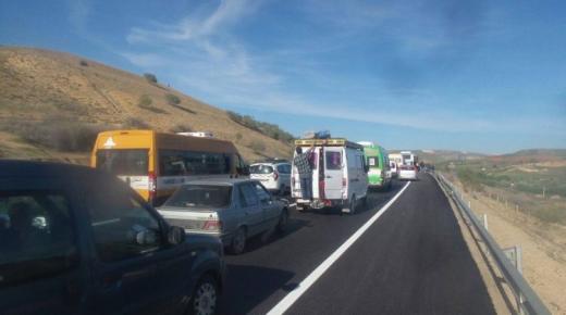 لجنة الوقاية من حوادث السير تدعو سائقين إلى توخي الحذر في عيد الفطر