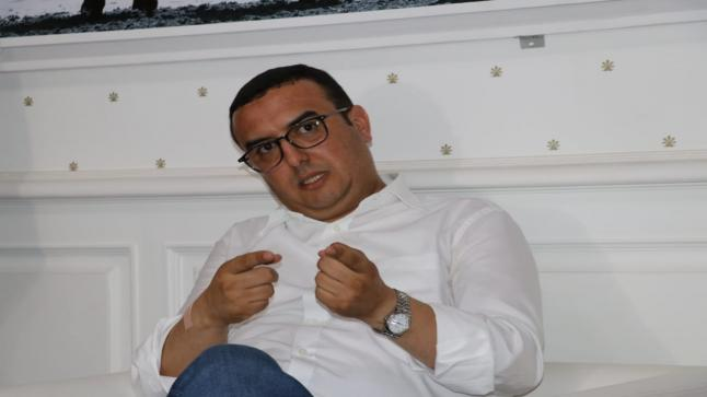 """بالفيديو، الوزير الأعجوبة""""أمكراز""""يجيب عن المشاريع الملكية بأكادير"""