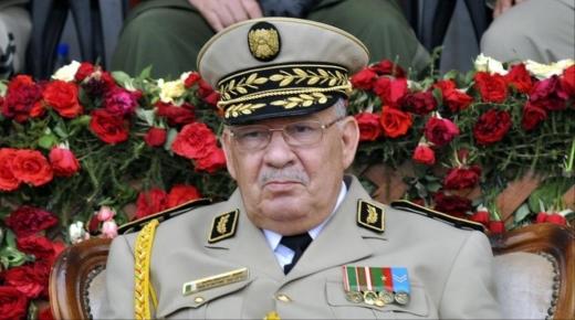 أحمد قايد صالح نائب وزير الدفاع، رئيس أركان الجيش الوطني الشعبي في ذمة الله