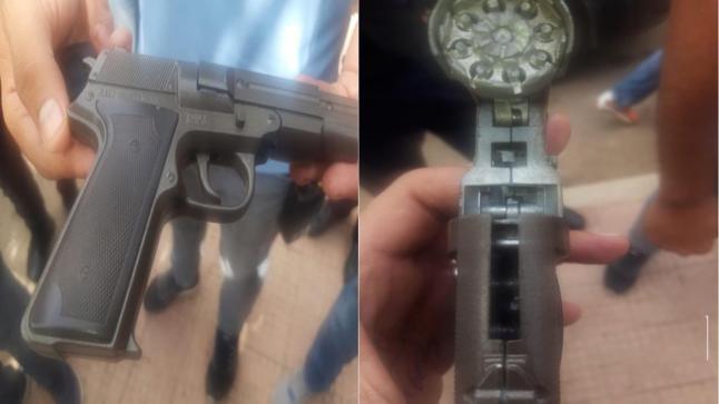 توقيف شخص لجأ إلى التهديد بسلاح ناري قصد الحصول على عقاقير مخدرة