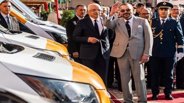 الملك يسلم 28 حافلة للنقل المدرسي للجماعات القروية بعمالة أكادير إداوتنان