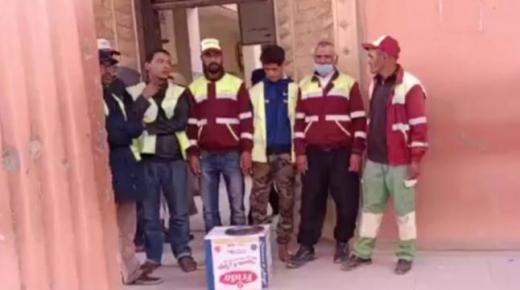 """عمال """" الإنعاش """" يعتصمون أمام مقر جماعة القليعة"""