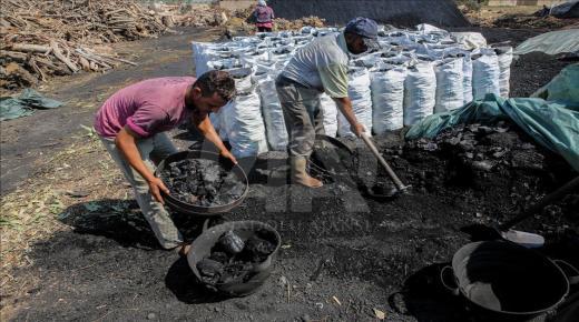 إقليم تارودانت.. ساكنة منطقة الكردان تعاني من أدخنة الفحم الخشبي