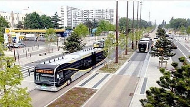 عقد اجتماع عن بعد للوقوف على تقدم إنجاز الخط الأول للحافلات ذات جودة عالية لأكادير
