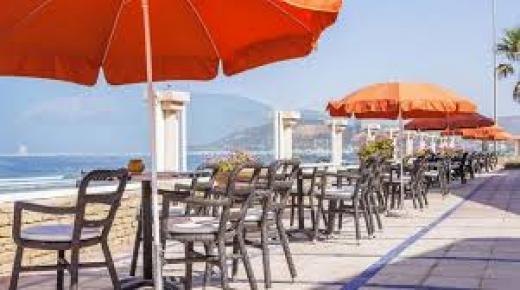 الاعلان عن مواعيد جديدة لفتح واغلاق المطاعم بأكادير