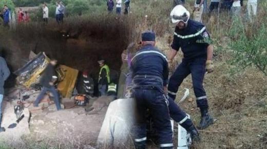 مصرع شخصين وإصابة آخرين في حادث انقلاب شاحنة