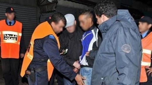 اكادير : البوليس يتدخل لايقاف عربدة شباب بالشارع العام بعد السكر العلني واقلاق راحة المواطنين ويعتقل الجناة