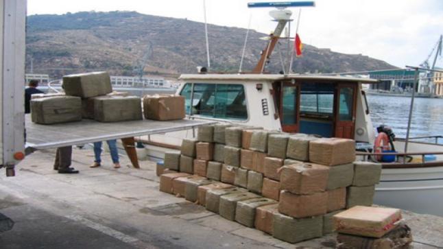 ميناء طنجة المتوسط.. توقيف 18 شخصا للاشتباه في تورطهم في قضية تتعلق بمحاولة التهريب الدولي للمخدرات