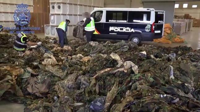 اعتقال مغربي بإسبانيا لإرساله الملابس الجاهزة لمقاتلي داعش