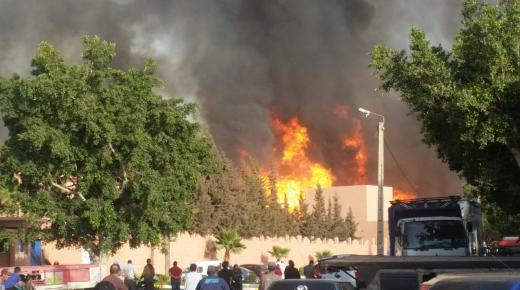عاااجل وبالفيديو : حريق مهول يأتي على معمل للخشب في آيت ملول