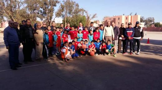 المدير الإقليمي للتعليم بانزكان يقف على سير الأنشطة الرياضية بالمؤسسات التعليمية
