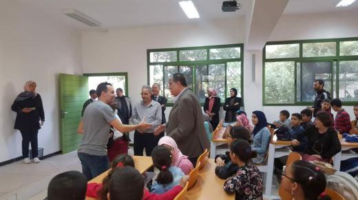 تلاميذ مدرسة الاجيال آزرو آيت ملول يحضون باستقبال خاص أثناء زيارتهم للقطب الجامعي آزرو آيت ملول