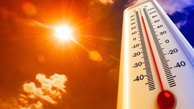 موجة حر بعدد من مناطق المملكة ابتداء من بعد غد الجمعة إلى الاثنين المقبل