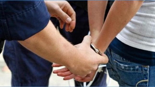 """اعتقال """"هواري"""" عرض مواطنين للنصب والابتزاز عبر تقديم قروض مالية."""