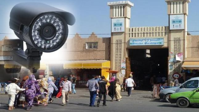 جدل واسع يلاحق صفقة تثبيت كاميرات للمراقبة بالسوق البلدي لأولاد تايمة