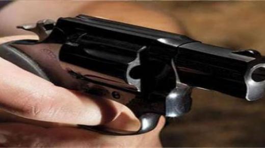 """مديرية الأمن الوطني: عصابة من """"البزناسة"""" بالعيون هاجموا الشرطة بالسواطير والرصاص دفعهم إلى الفرار قبل توقيفهم"""