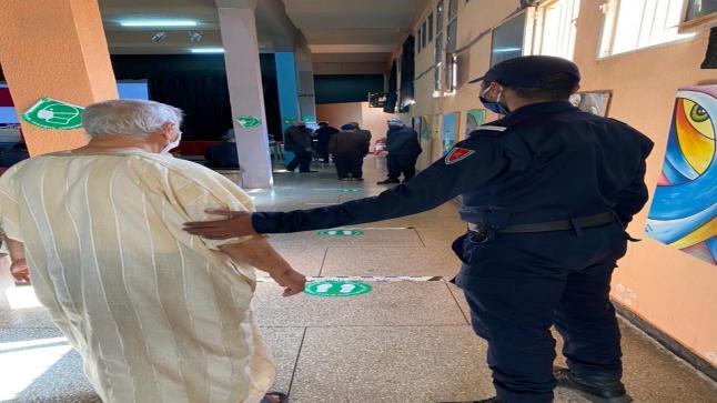تلقيح 77 % من الفئة المستهدفة داخل المؤسسات السجنية ضد فيروس كورونا