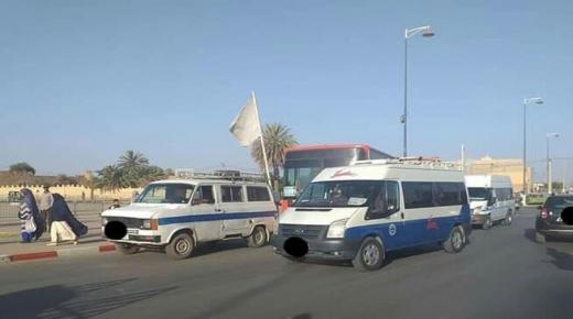 سيارات للنقل المزدوج تحاصر حافلات في تارودانت