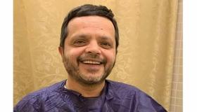 """الفنان المصري """" محمد هندي """" يجري عملية جراحية"""