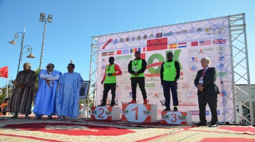 تحطيم الرقم القياسي وأبطال إثيوبيا وكينيا يتربعون على كرسي المتوجين في سباق الداخلة الدولي على مسافة 10 كيلومترات