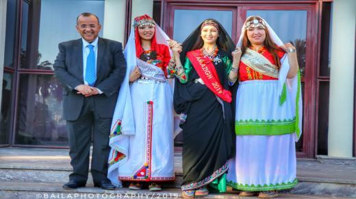بالفيديو ، عامل انزكان أيت ملول يستقبل ملكة جمال الأمازيغ