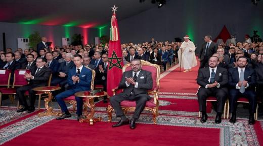 الملك يطلق برنامجا طموحا بـ 600 مليار لجعل مدينة أكادير قطبا اقتصاديا ذا جاذبية وتنافسية.