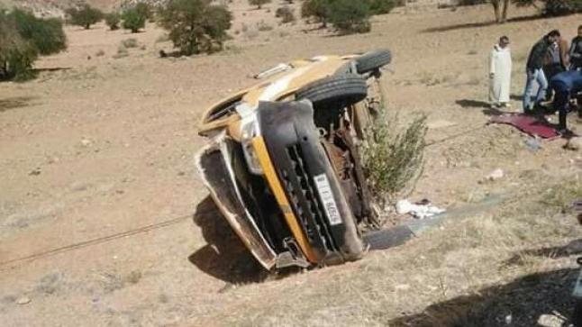 خسائر فادحة إثر إنقلاب سيارة نقل مدرسي في تافراوت