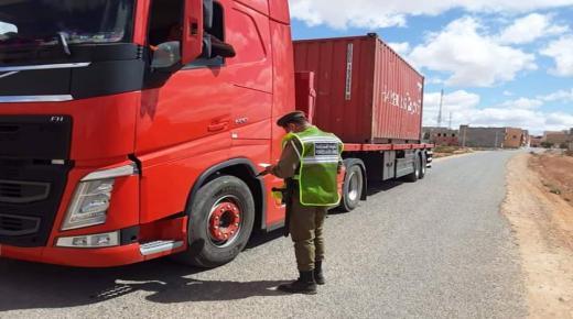 توقيف سائق شاحنة خرق قانون الطوارئ الصحية ناحية تزنيت