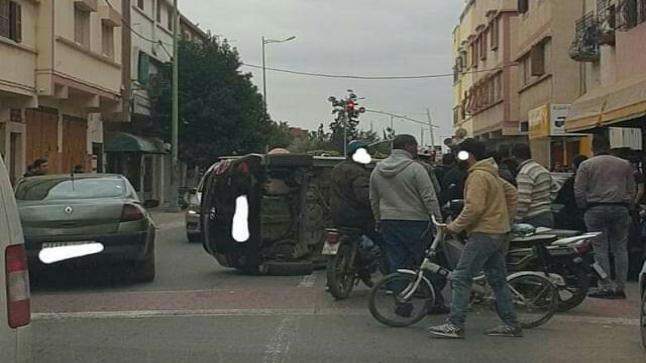 """إنقلاب """" هوليودي """" لسيارة بالدشيرة في إنزكان"""