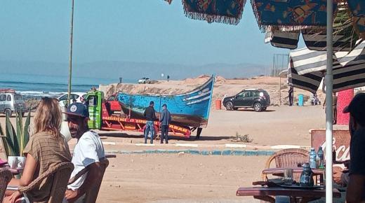 نزوح قارب للهجرة السرية بشاطئ أنزا شمال أكادير