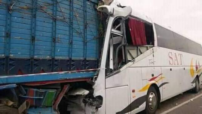قتيل و35 مصابا في حادثة اصطدام بسبب الضباب بين حافلة قادمة من تافراوت وشاحنة قرب برشيد
