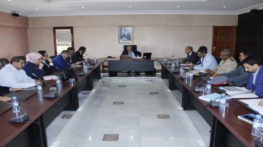 القليعة : عامل الاقليم يجتمع بالمجلس الجماعي لتنزيل المشاريع التنموية بالمنطقة