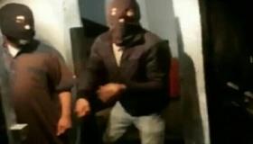 حقيقة فيديو لملثمين يقتحمان حرمة منزل بغرض السرقة