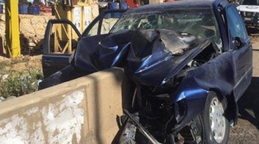 سائق سيارة يصطدم بحاجز قرب مدارة في تزنيت