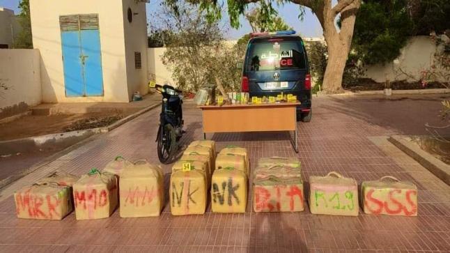 إجهاض عملية لتهريب المخدرات بمدينة طانطان، وحجز 610 كيلوغرام من مخدر الشيرا