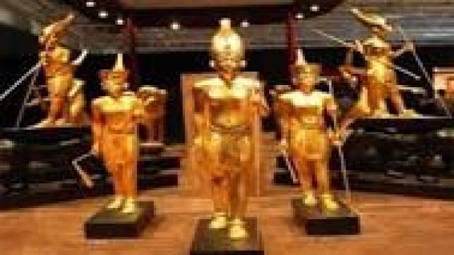 فرنسا تعيد لمصر أزيد من 100 قطعة أثرية مهربة