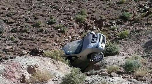 سقوط سيارة أسفل جبل نواحي ورزازات