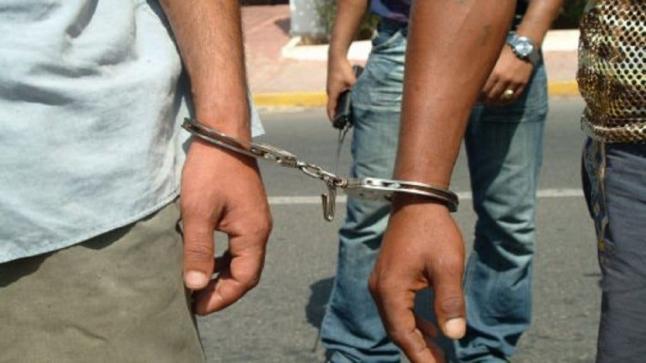 أكادير.. توقيف ثلاثة أشخاص للاشتباه في ارتباطهم بشبكة إجرامية تنشط في الهجرة غير المشروعة (بلاغ DGSN)