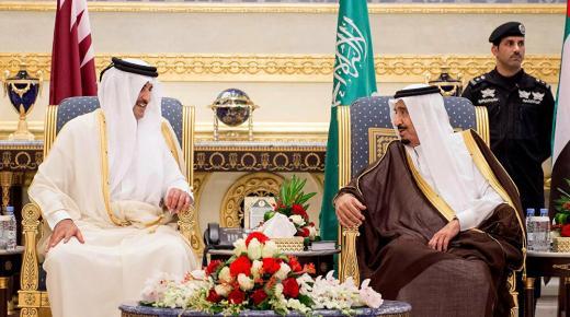 السعودية وقطر تتفقان على فتح الأجواء والحدود البرية والبحرية بينهما