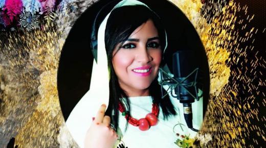"""النجمة الأمازيغية كلثومة تمازيغت في قمة عطائها ب""""ڤيديو كليب ديني"""" جديد بمناسبة شهر رمضان (الفيديو)"""