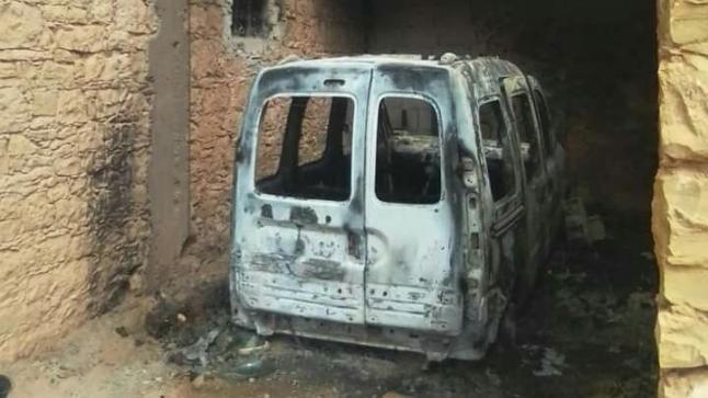 عصابة إجرامية تحرق سيارة وتلوذ بالفرار نواحي شيشاوة