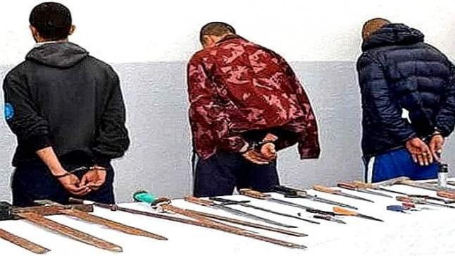 القبض على الملثمين الذين هاجمو شرطيا بالسيوف وسلبوه مسدسه
