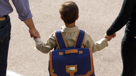التعليم الحضوري مقترن باحترام بروتوكول صحي صارم ودقيق للغاية