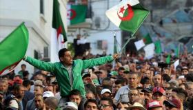 الجزائر.. الطلبة يخرجون مجددا إلى الشوارع للمطالبة بالتغيير الجذري