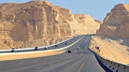 الطريق السريع تيزنيت – الداخلة.. مشروع لتعزيز التكامل الإقتصادي بين الأقاليم الجنوبية وأقاليم جهة سوس ماسة