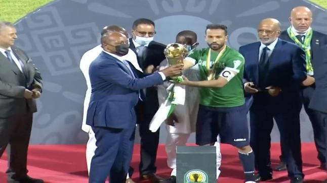 الرجاء الرياضي يحتفل بتتويجه بلقب كأس الكاف على حساب شبيبة القبائل الجزائري