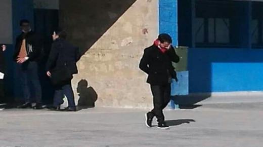 صورة مترشح لاجتياز التعليم بالتعاقد يبكي تهز الفايسبوك